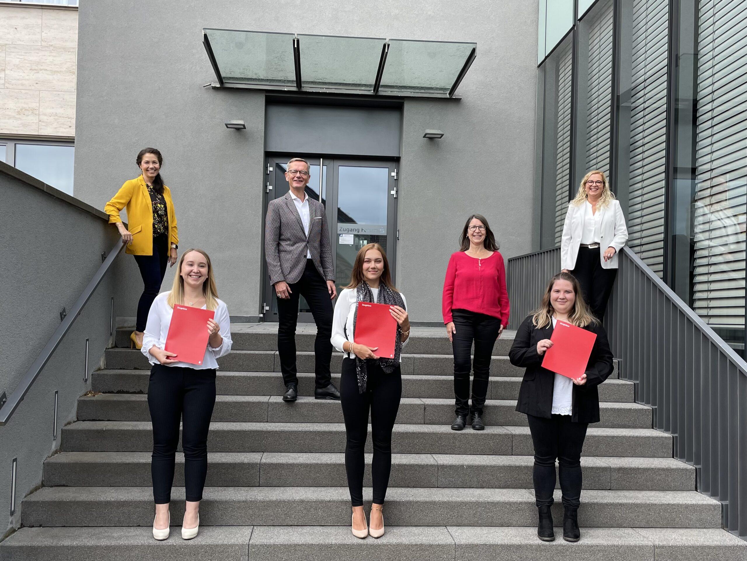 Erfolgreiches Ausbildungsende 2021 bei der Sparkasse Dieburg!